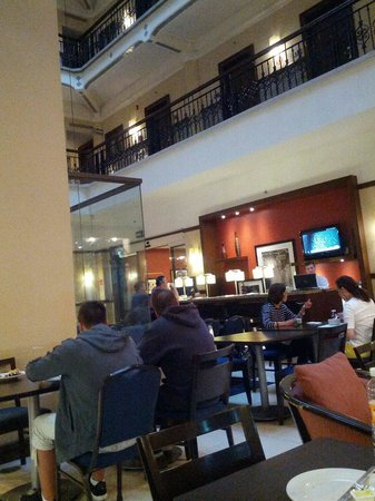 Hampton Inn & Suites Mexico City - Centro Historico : Sector de desayuno