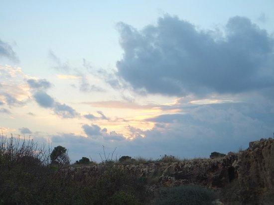 Almyra Hotel: вечернее небо