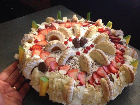 Top Torta di buon compleanno - Foto di La Grappa, Erfurt - TripAdvisor VN33