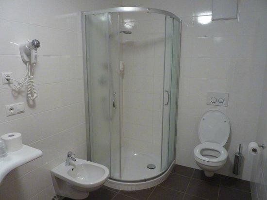 Albergo Zur Sonne: bagno