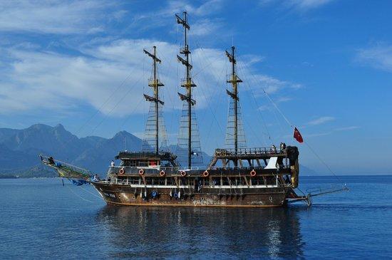 Club Med Palmiye : Bateau pirate