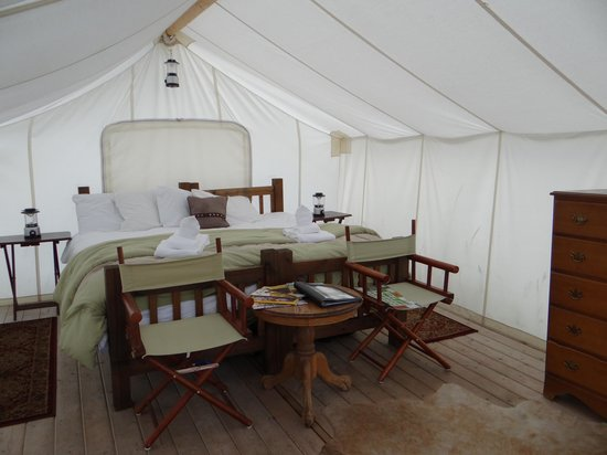Yellowstone Under Canvas: Inside our Deluxe Safari Tent - BEAUTIFUL!