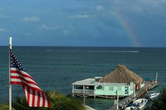 Blue Tang Inn: Rainbow as seen from the rooftop deck
