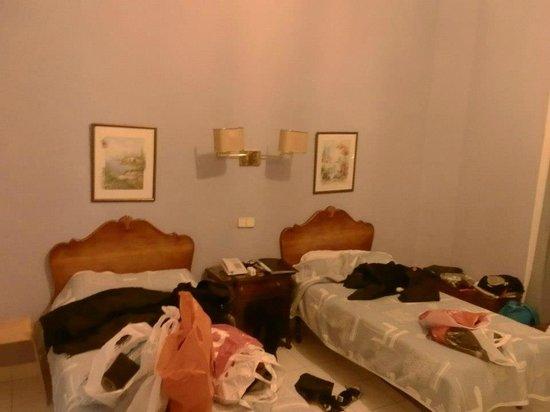 Hostal Pereda Hs : habitacion