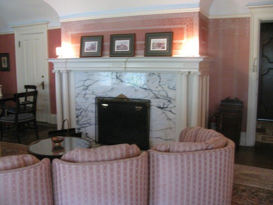 Redstone Castle: Beautiful marble fireplace