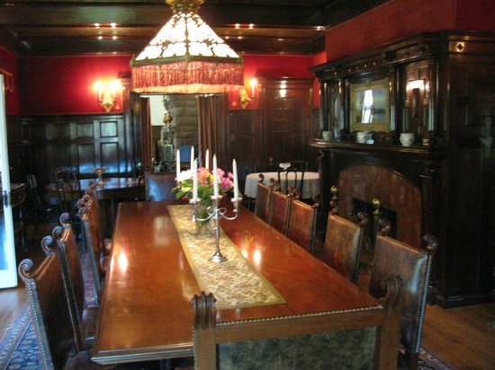 Redstone Castle: Woodwork in the dinning room
