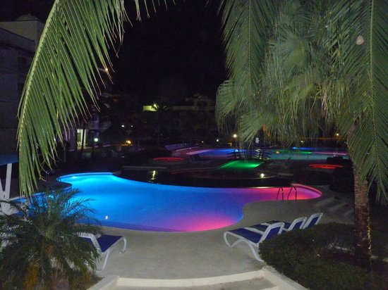 Hotel Playa Blanca Beach Resort: Piscina