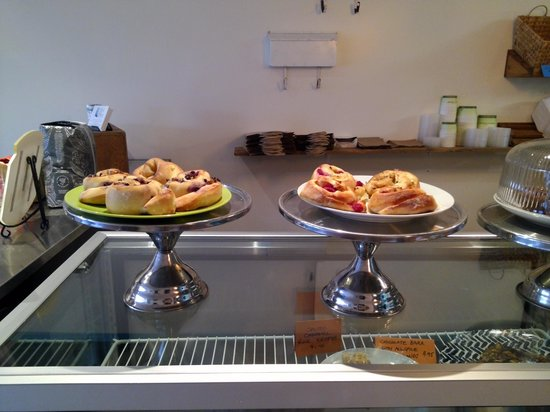 Twisted Dishes Cafe: excellent fresh pastries