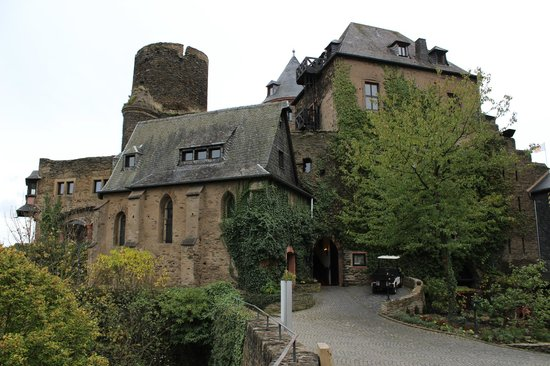 Castle Hotel Auf Schoenburg: one half of the castle