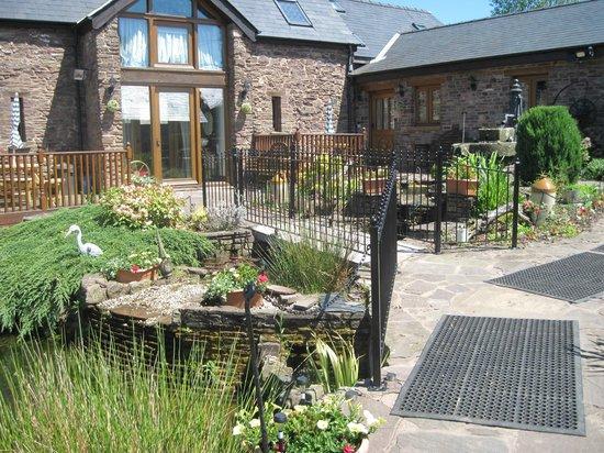 Usk Country Cottages: OAK COTTAGE