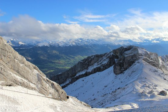 Hotel Pilatus-Kulm: Not a bad view from the hotel room