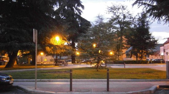 Hotel Don Luis: Plaza Hermanos Falco y Álvarez, muy cerca del hotel.