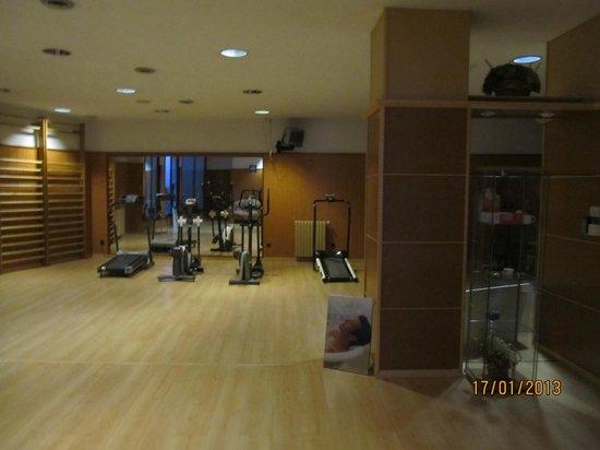 Guillem Hotel: Тренажерный зал, но до него дело так и не дошло. Хватило борда