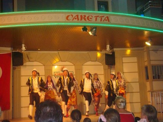 Caretta Beach Hotel: выступление турецкого коллектива