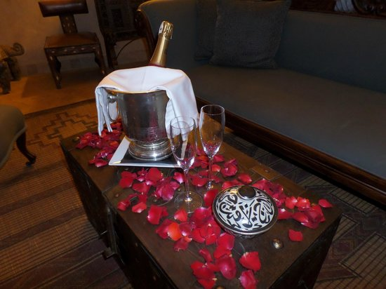 Riad Noir d'Ivoire : Champagne for two