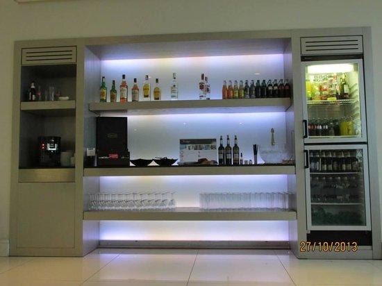 H10 Andalucia Plaza: Privilege Bar