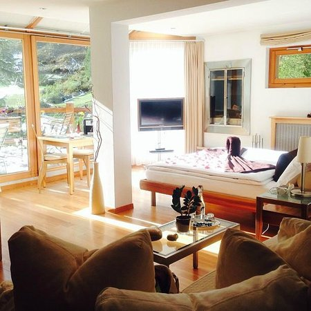 Suitenhotel Zurbriggen : Room view