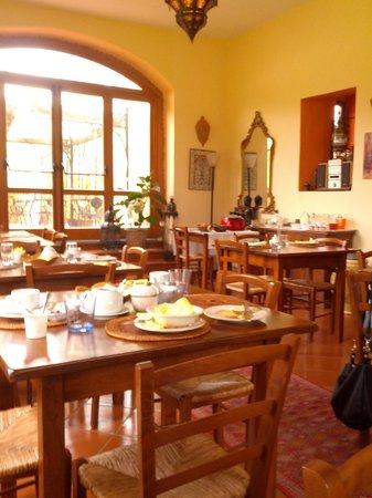 Villa Poggio di Gaville: sala da pranzo
