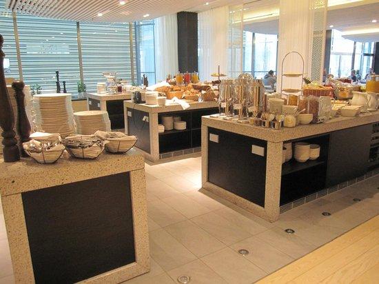 Radisson Blu Waterfront Hotel: Buffet Breakfast