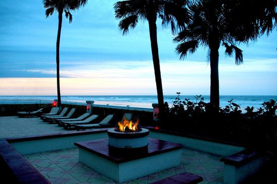 Daytona Beach Resort and Conference Center: Fire Pit