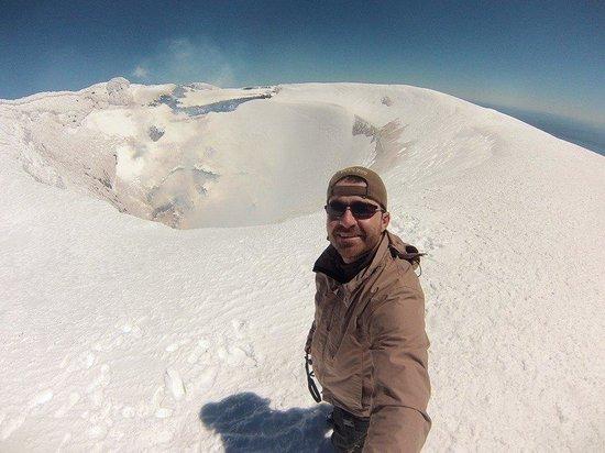 Aguaventura Expediciones Day Tours: A alegria de chegar  ao topo do vulcão Villarrica