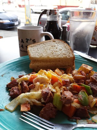 Pat's Cafe: corned beef hash (made in house)