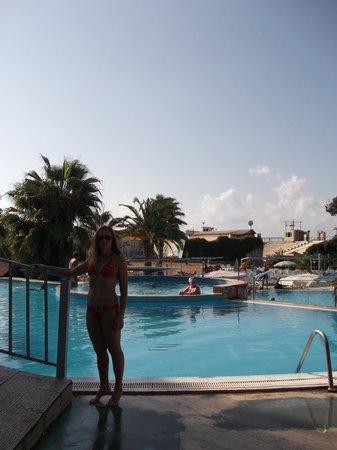 Majesty Club Oasis Beach: у бассейна