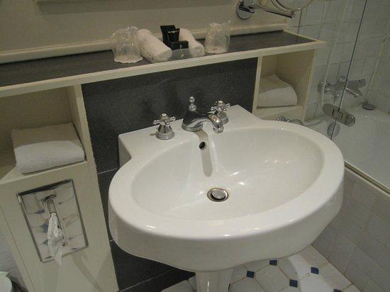 Copenhagen Plaza Hotel : Bathroom