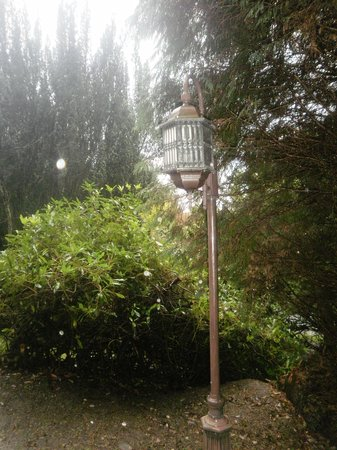 The Lake Country House & Spa: A fabulous Edwardian lamp in the grounds