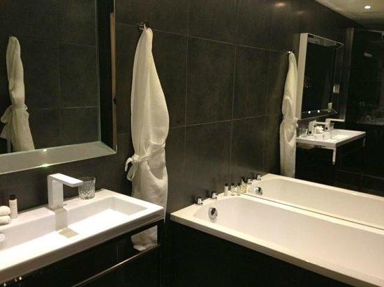 The Inn on the Mile : Great bathroom