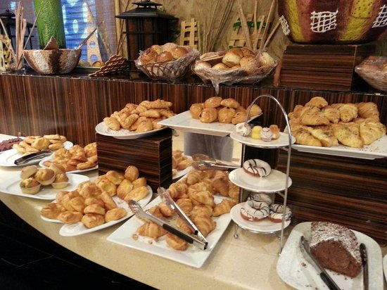Royal Dyar Hotel: Breads choice