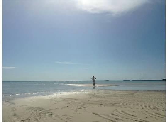 Ten Bay Beach: Sand bar at Ten Bay