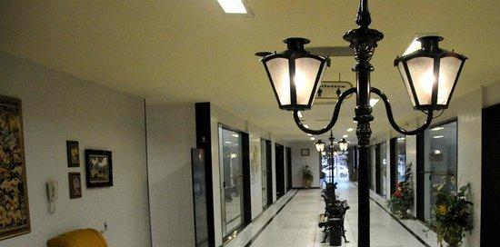 Hotel Central Parque : rua antiga - não sou proprietario das fotos