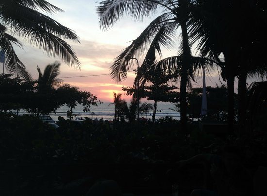 Padma Resort Legian: Sunset from the Lounge deck