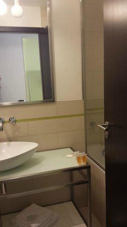 Pure White: mini salle de bains / toilettes