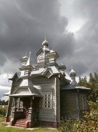 Daugavpils Fortress: Церковь рядом с гарнизонным кладбищем