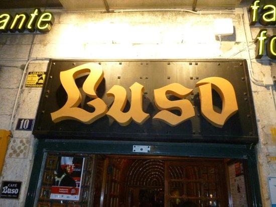 Café Luso: Entrada...