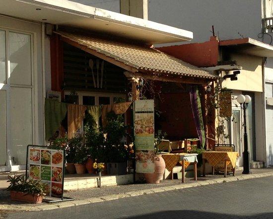 Vegera Restaurant in Zaros