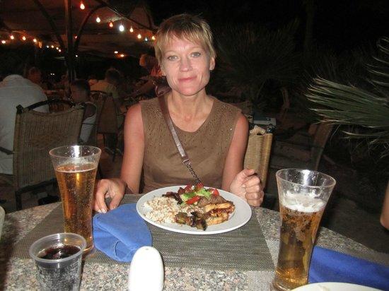 Golden 5 Almas Resort: Ужин в египетском ресторане