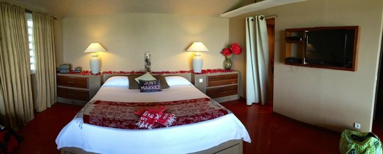 Karibuni Lodge : View into the room