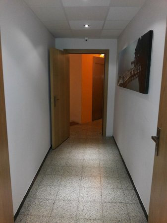 Hotel Margarit: the corridor