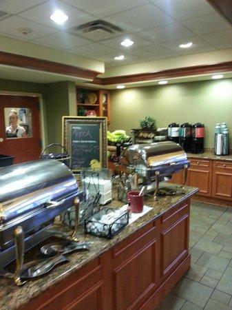 Homewood Suites by Hilton Newburgh-Stewart Airport: Café da manhã.
