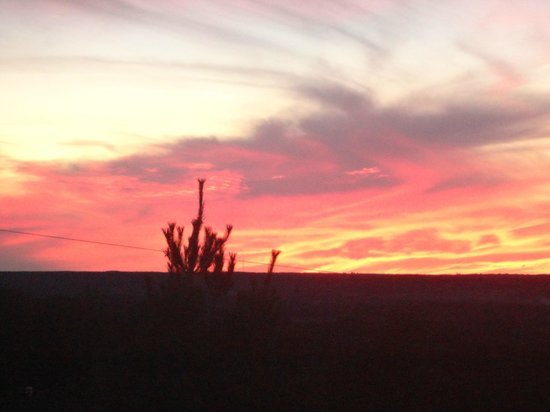 Bella Vista Country House: Sunset over Niagara Escarpment