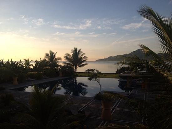 The Natsepa Resort and Conference Center: room with a view: prachtig uitzicht op de Baguala baai
