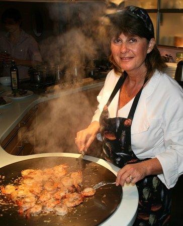 Ovington, UK: Chef Tina at her Teppan Grill