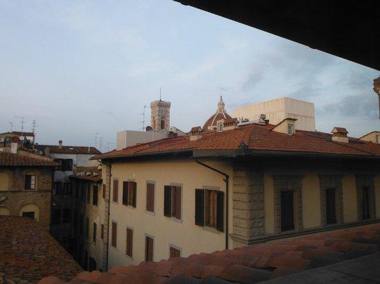 Pierre Hotel Florence : vista dalla finestra