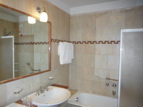 Pierre Hotel Florence: bagno
