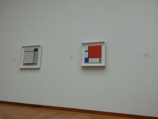 Kunstmuseum Basel: И таких там штук 20. На выставке Мондриана.