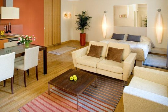 Mamaison Residence Belgicka Prague: One Bedroom Deluxe Suite