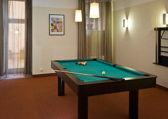 Mamaison Residence Belgicka Prague: Billiard Room